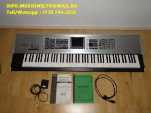 Roland Fantom-X8 88-Key Sampling Workstation edi.jpg