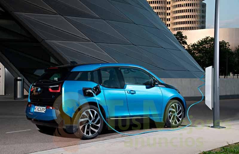 Un coche eléctrico en España