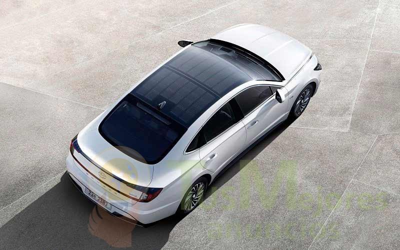 Hyundai lanza al mercado coche híbrido con paneles solares