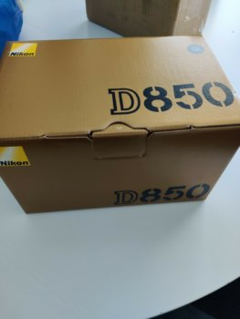 Nikon D850 boxed.jpg